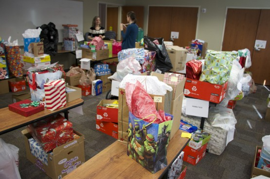 Photo features: Holiday Service Project brings good cheer to campus community