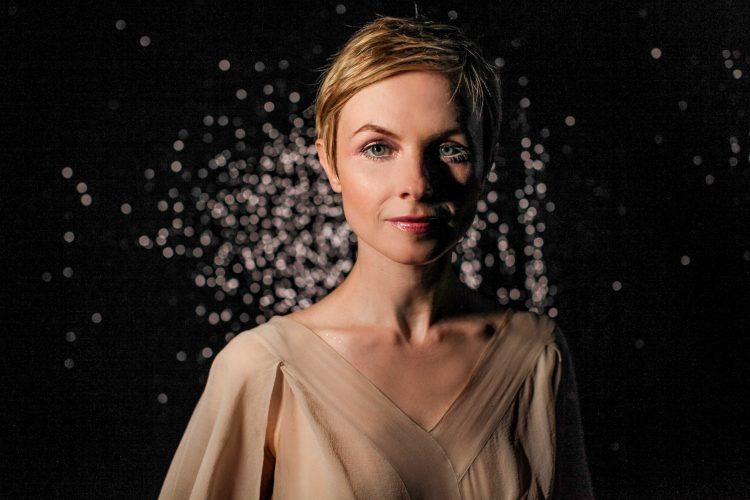 Headshot of Kat Edmonson