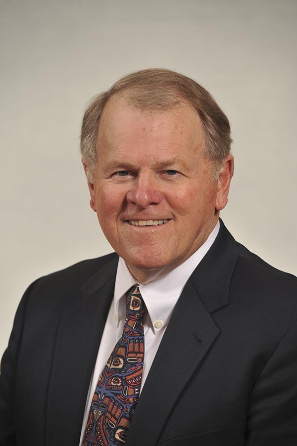 Headshot of Dennis Stephen